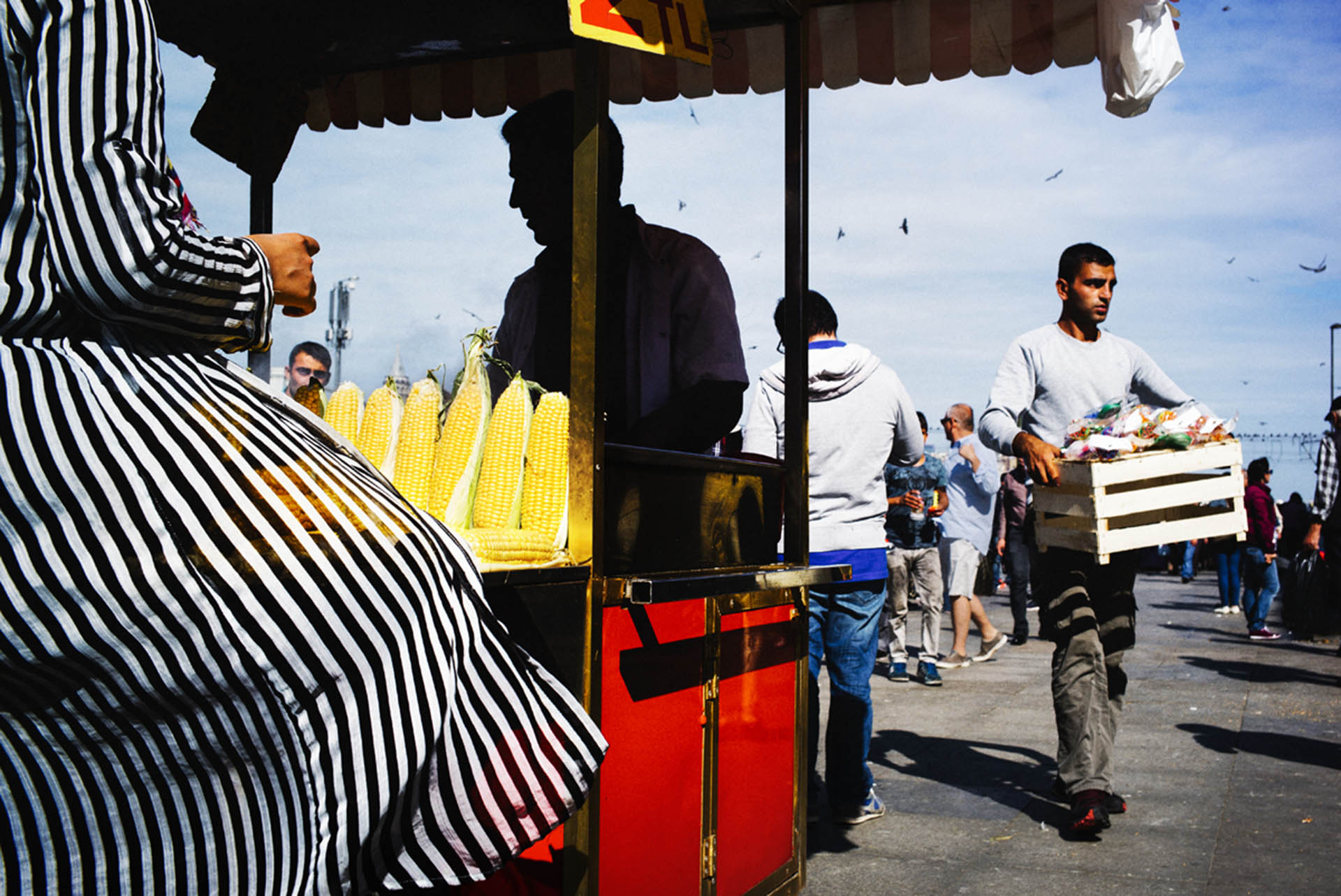 silhouette istanbul street photography in color by pierre belhassen