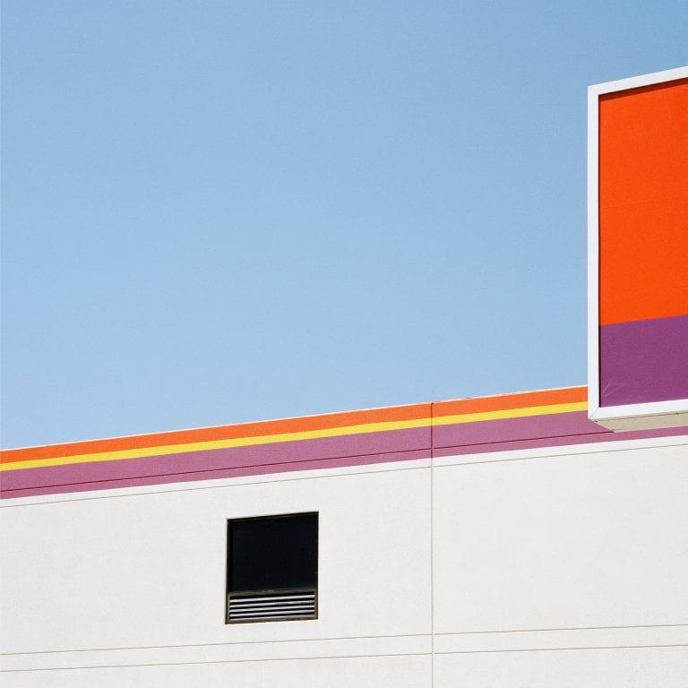 Arquitectura fotografía en color efecto estético y utilitario en el área metropolitana de Los Ángeles por Sinziana Velicescu