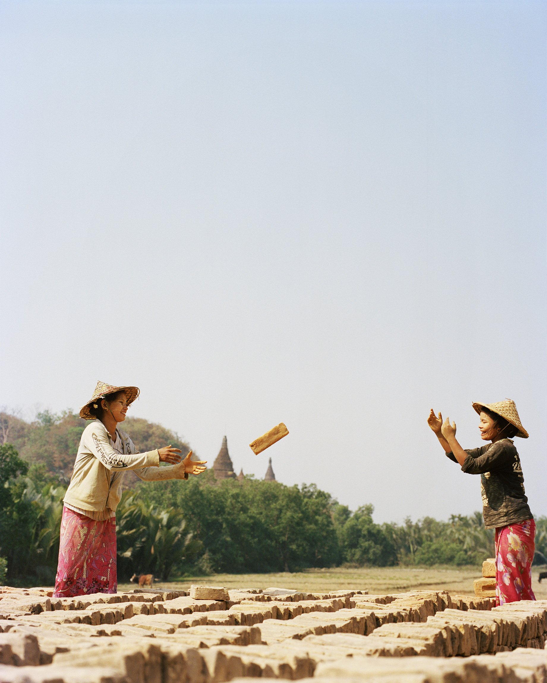woman working color photography in Myanmar by Frédéric Lagrange