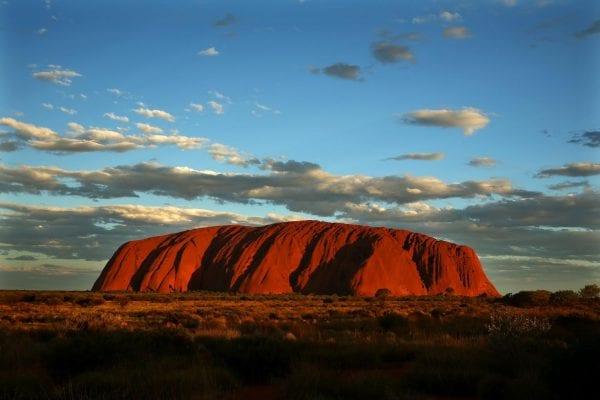 Ayers Rock Imagen icónica y famosa de Australia por el fotógrafo Mark Kolbe