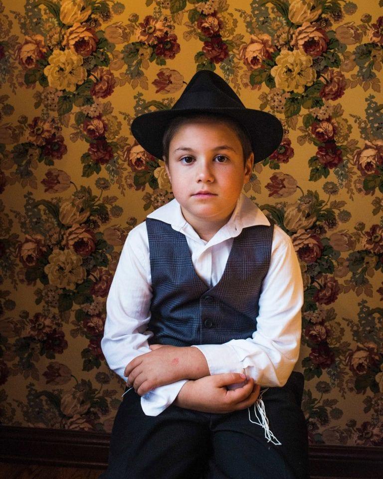 Fotografia ritratto di un giovane ragazzo di Kovi Konowiecki