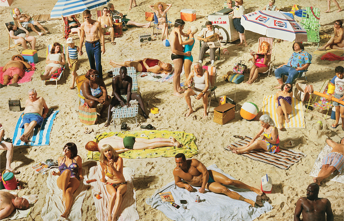 Color Photography of a Crowd on the beach by Alex Prager