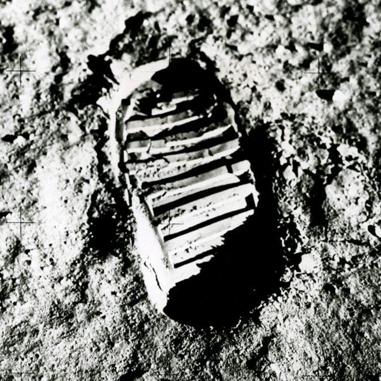 Tourné sur Hasselblad: empreinte lunaire de l'atterrissage lunaire d'Apollo 11, 1969 © Buzz Aldrin