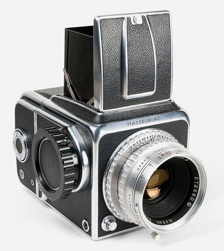 Hasselblad 1600 F avec objectif Kodak Ektar 2,8 / 80 mm