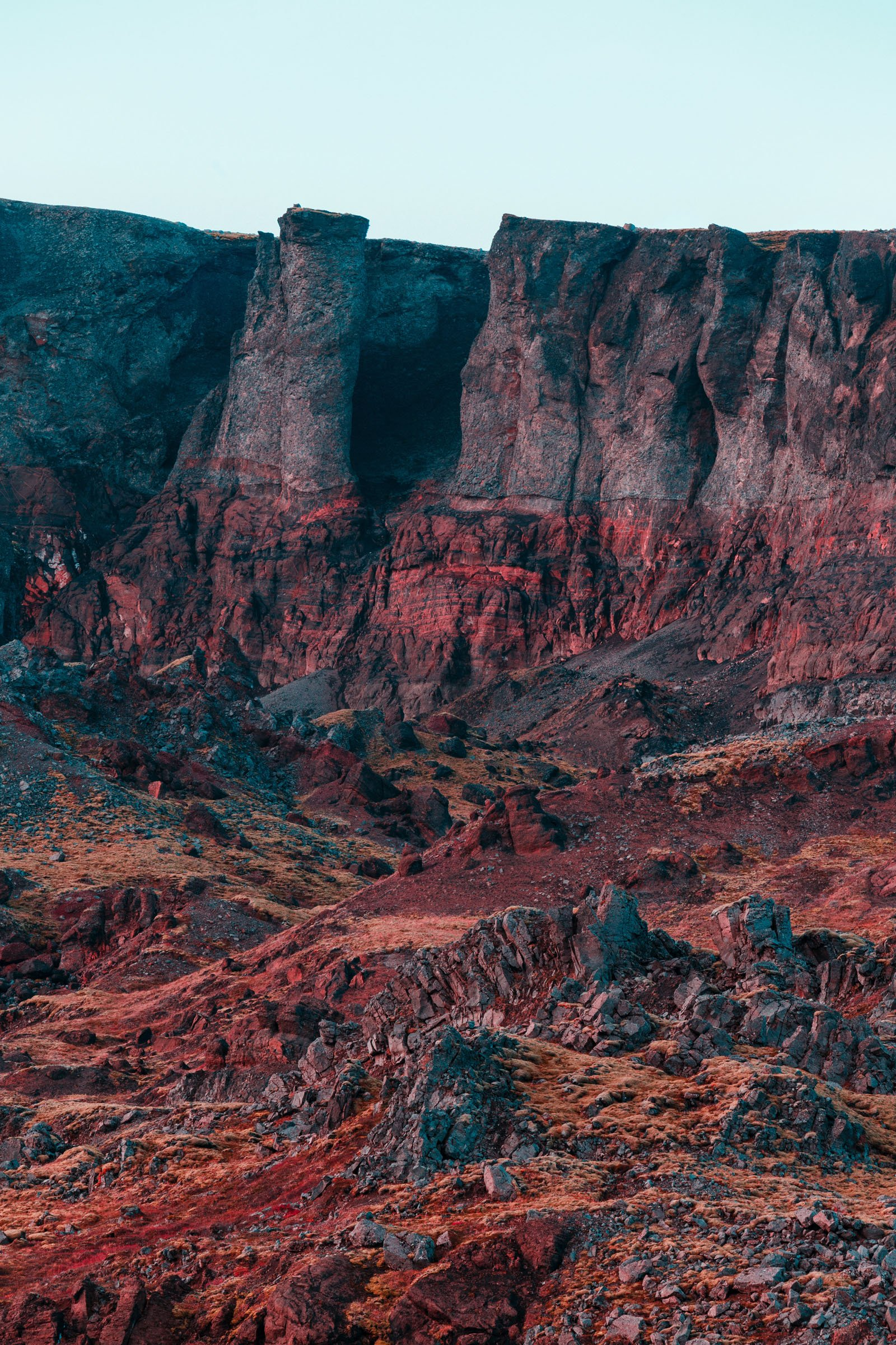 Fotografie a colori, paesaggi dall'Islanda, montagne rosse