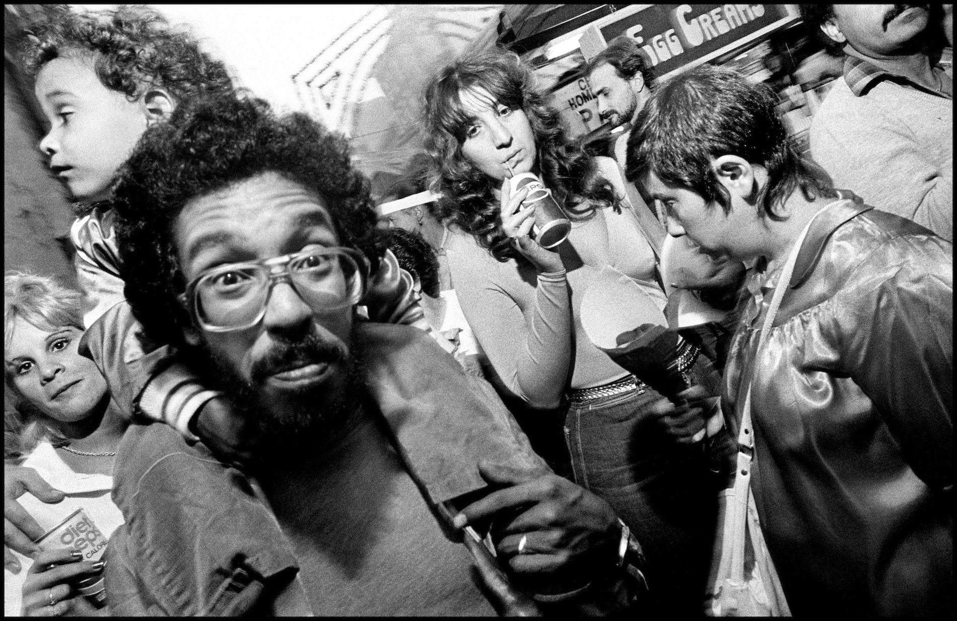 People in the street, street photography, black and white New York City, 1984 © Bruce Gilden / Magnum Photos
