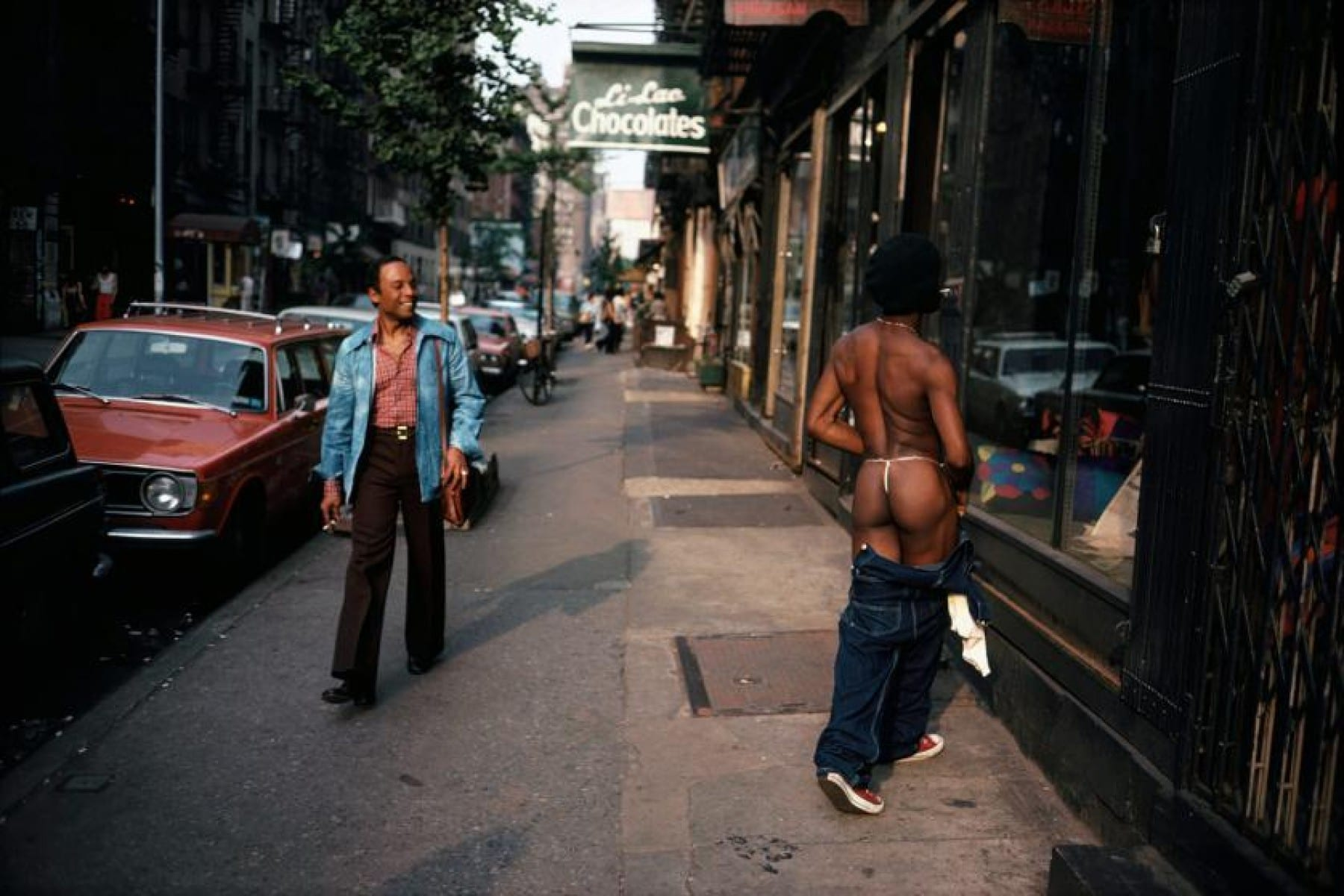 Persons on sidewalk, New York, date unknown Joel Meyerowitz