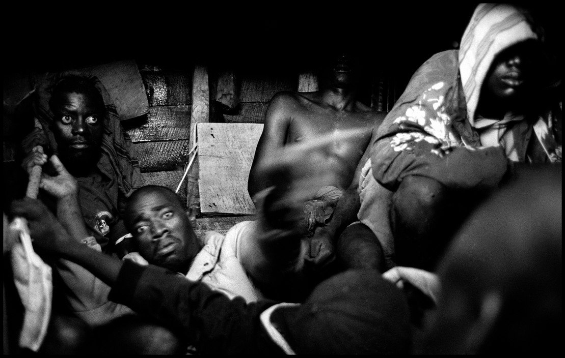 Migration - 44 Haitians in a boat attempting to reach America, Haiti, 2000 © Christopher Anderson / Magnum Photos