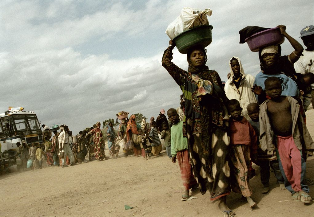 Arrival to Kakuma refugee camp, Kenya 2002 © Alex Majoli / Magnum Photos