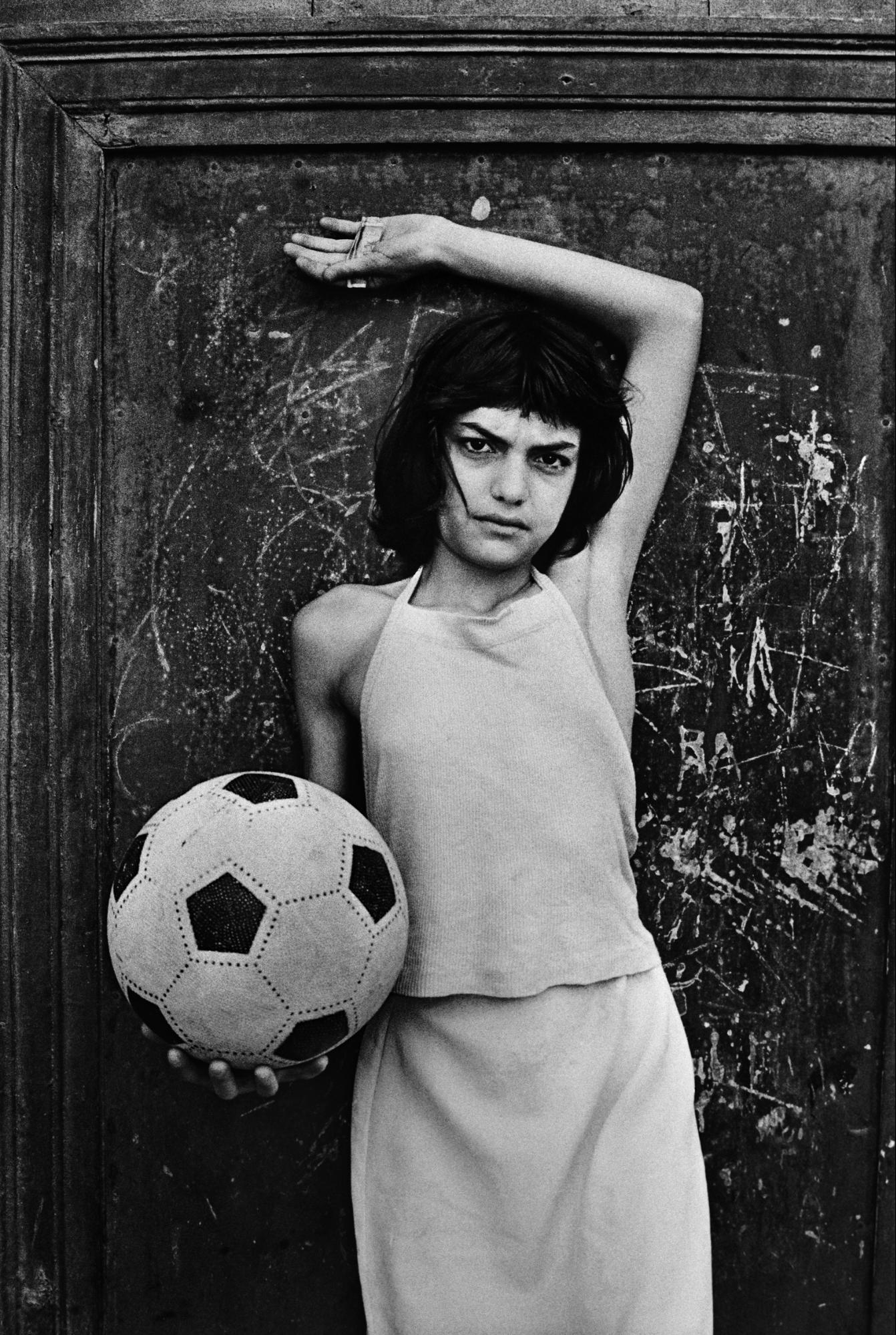 La Cala, Palermo 1980 © Letizia Battaglia Legendary Women in Photography