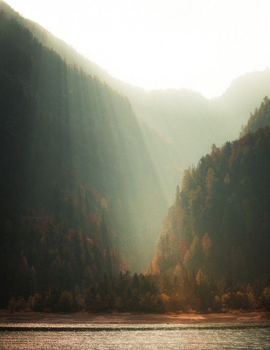 Landscape Photography, mountainand sun through valley