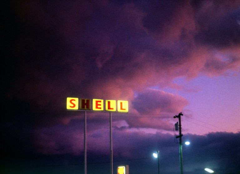 Shell sign From American Pictures by Jacob Holdt Photography