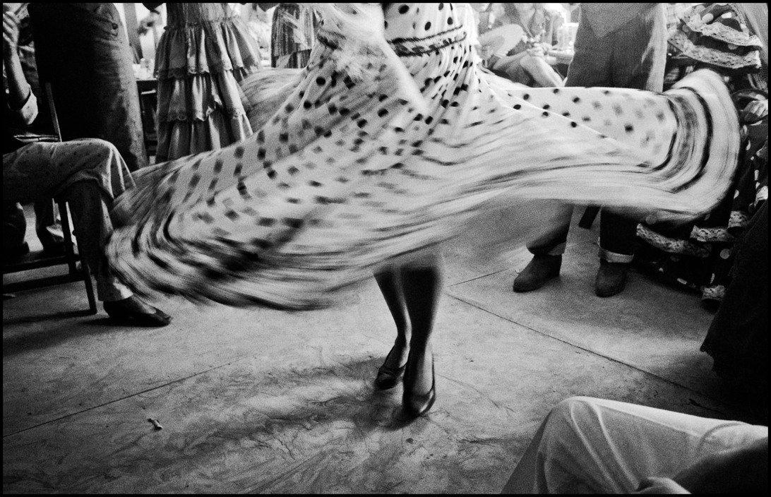 ESPAGNE. Séville. 1987. Jupe de danseuse, Feria à Séville.