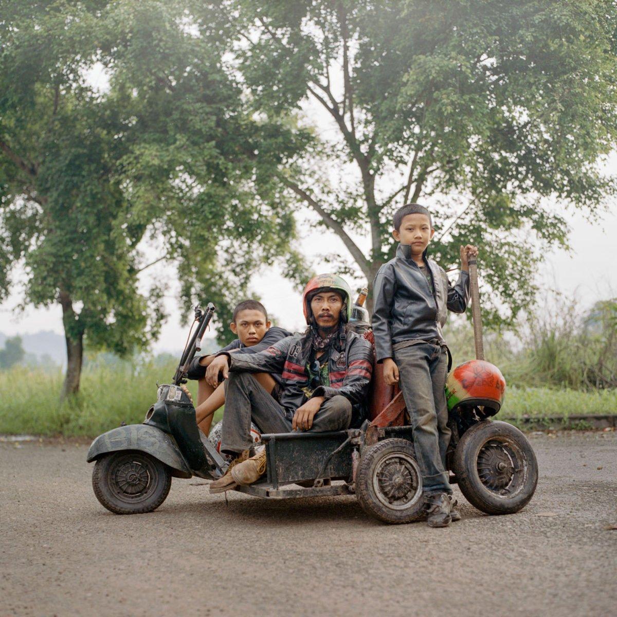 Portrait photograph of boys in Sumatra from photographer Muhammad Fadli - Inland
