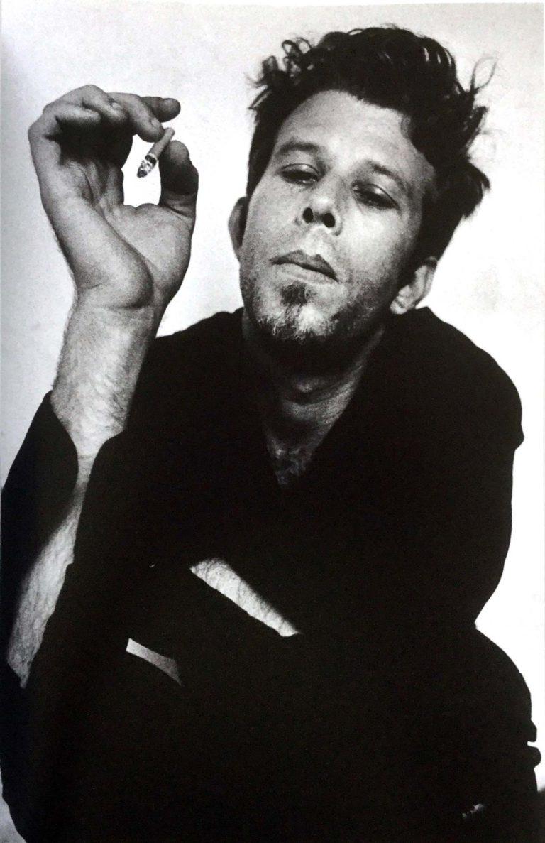 摄影与音乐-汤姆·怀特(Tom Waits),1977年©安东·科比恩(Anton Corbijn)