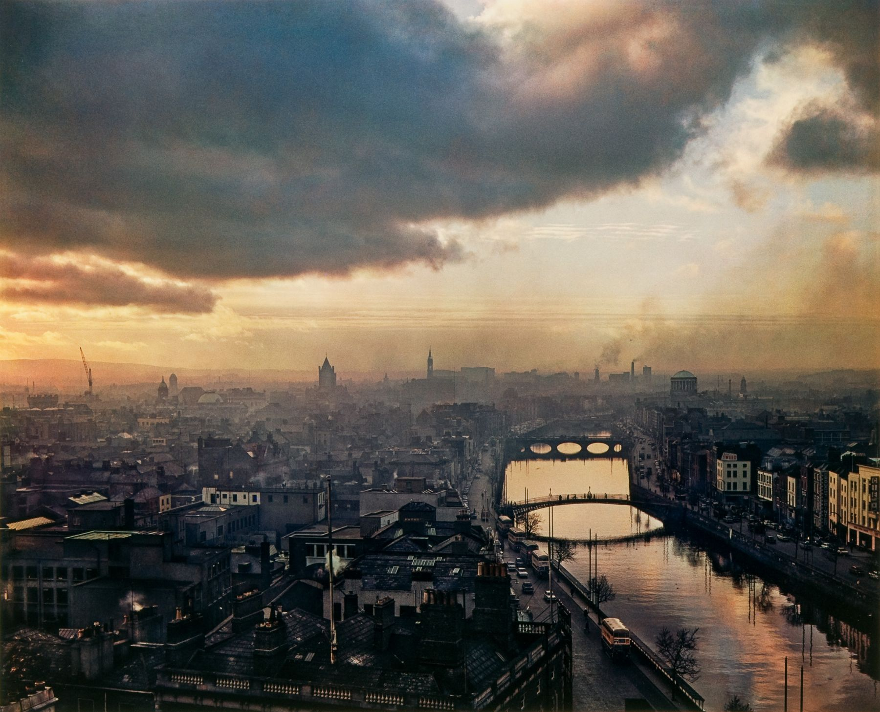 Evelyn Hofer - Cielo de Dublín 1966