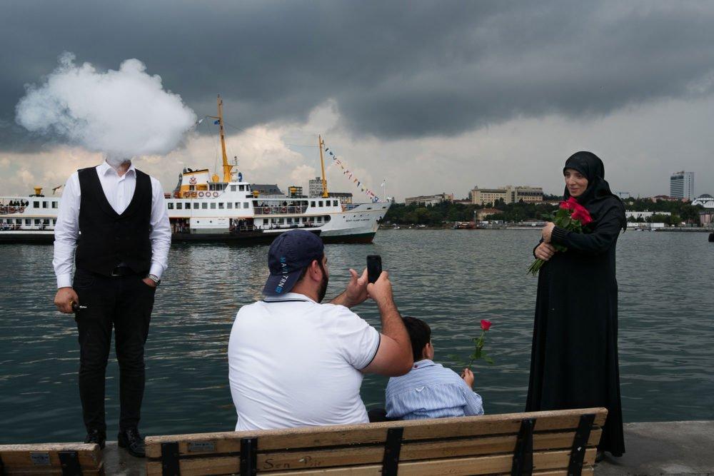 Fotografía callejera en Turquía por el fotógrafo Haluk Safi