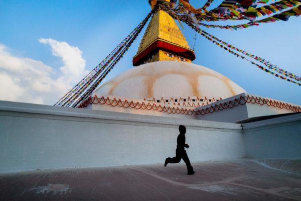 Fotografía callejera en el Tíbet por el fotógrafo Carlos Antonorsi