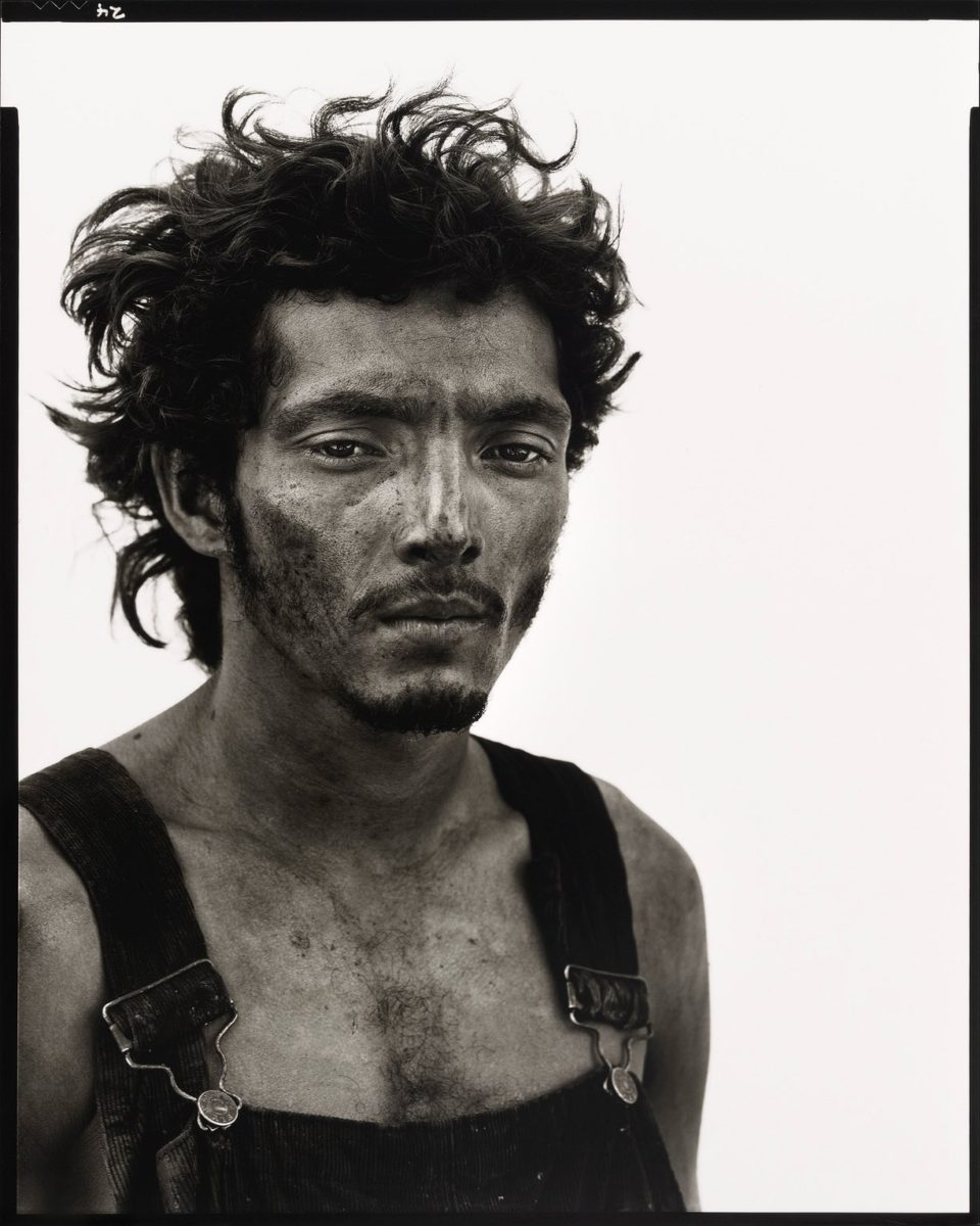 Roberto Lopez, Oil Field Worker, Lyons, Texas, September 28, 1980 - Portrait photography by Richard Avedon in the American West