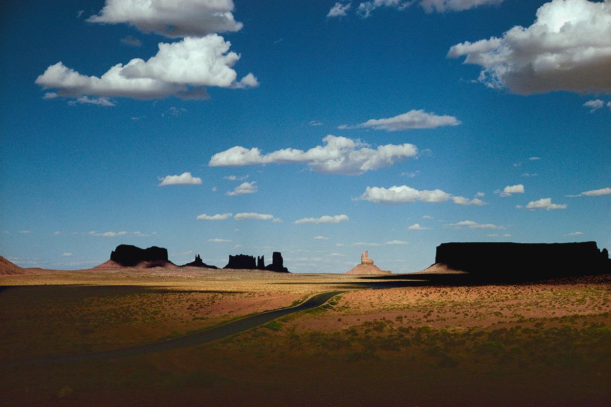彩色照片,亚利桑那州纳瓦霍民族,1970年,恩斯特·哈斯(Ernst Haas)摄影©恩斯特·哈斯(Ernst Haas)