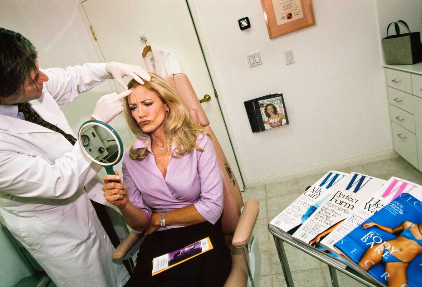 Former Playboy Playmate Shannon Tweed and celebrity plastic surgeon Dr. Frank Ryan. Beverly Hills, 2000 © Lauren Greenfield/INSTITUTE