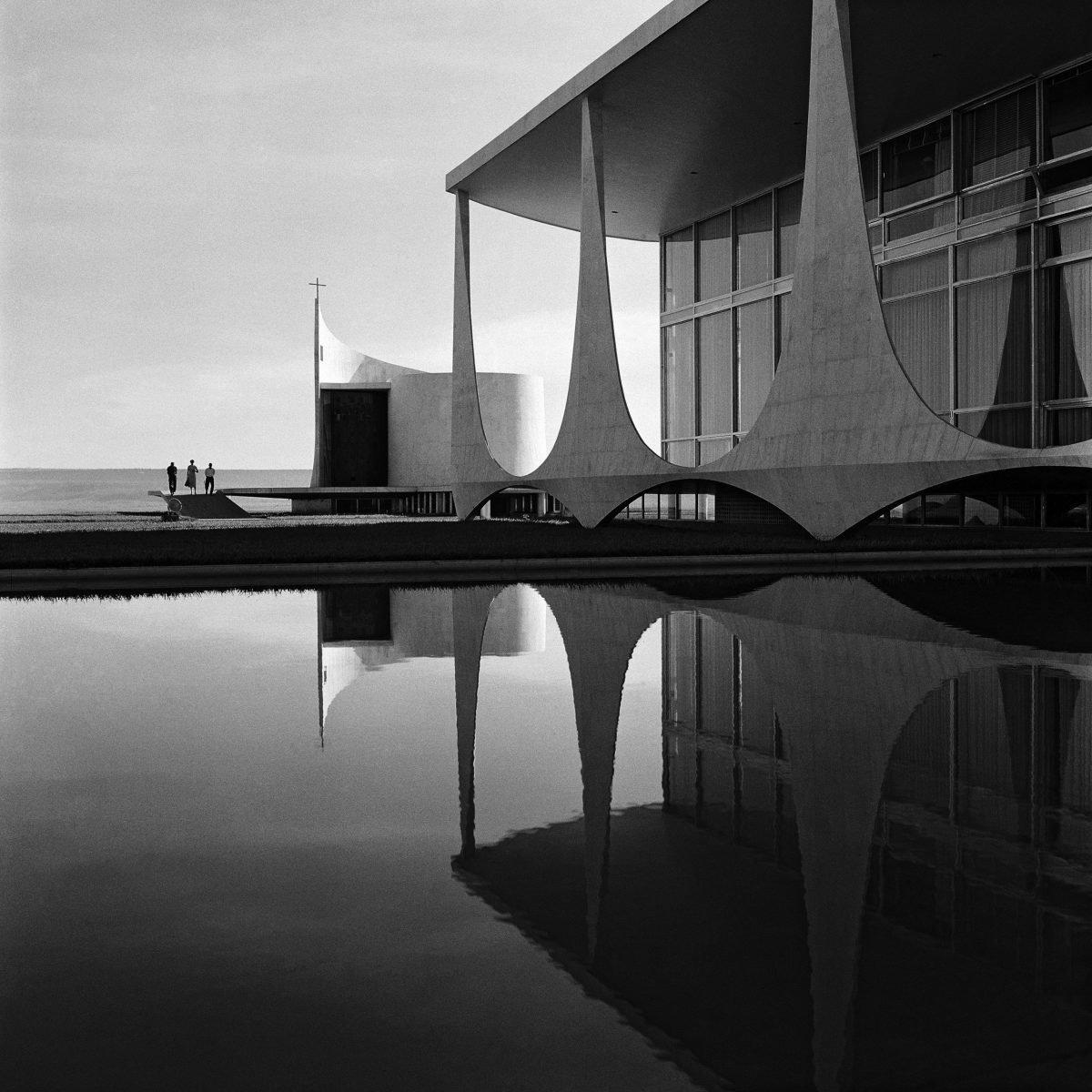 Fotografía arquitectónica en blanco y negro de Marcel Gautherot