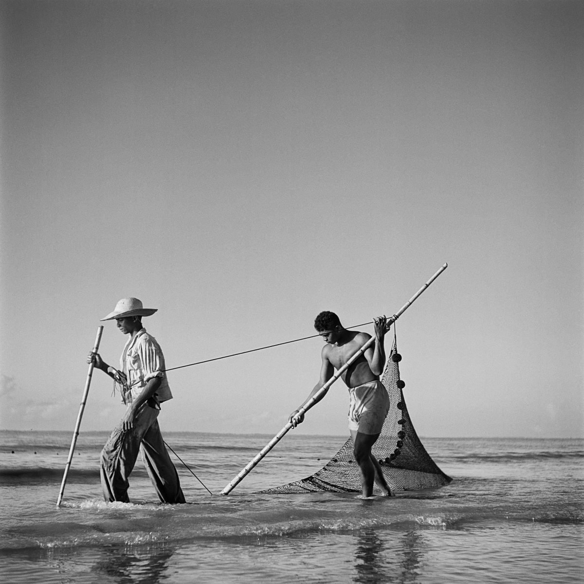 Black and white portrait photograph of Brazilian fishermen by Marcel Gautherot