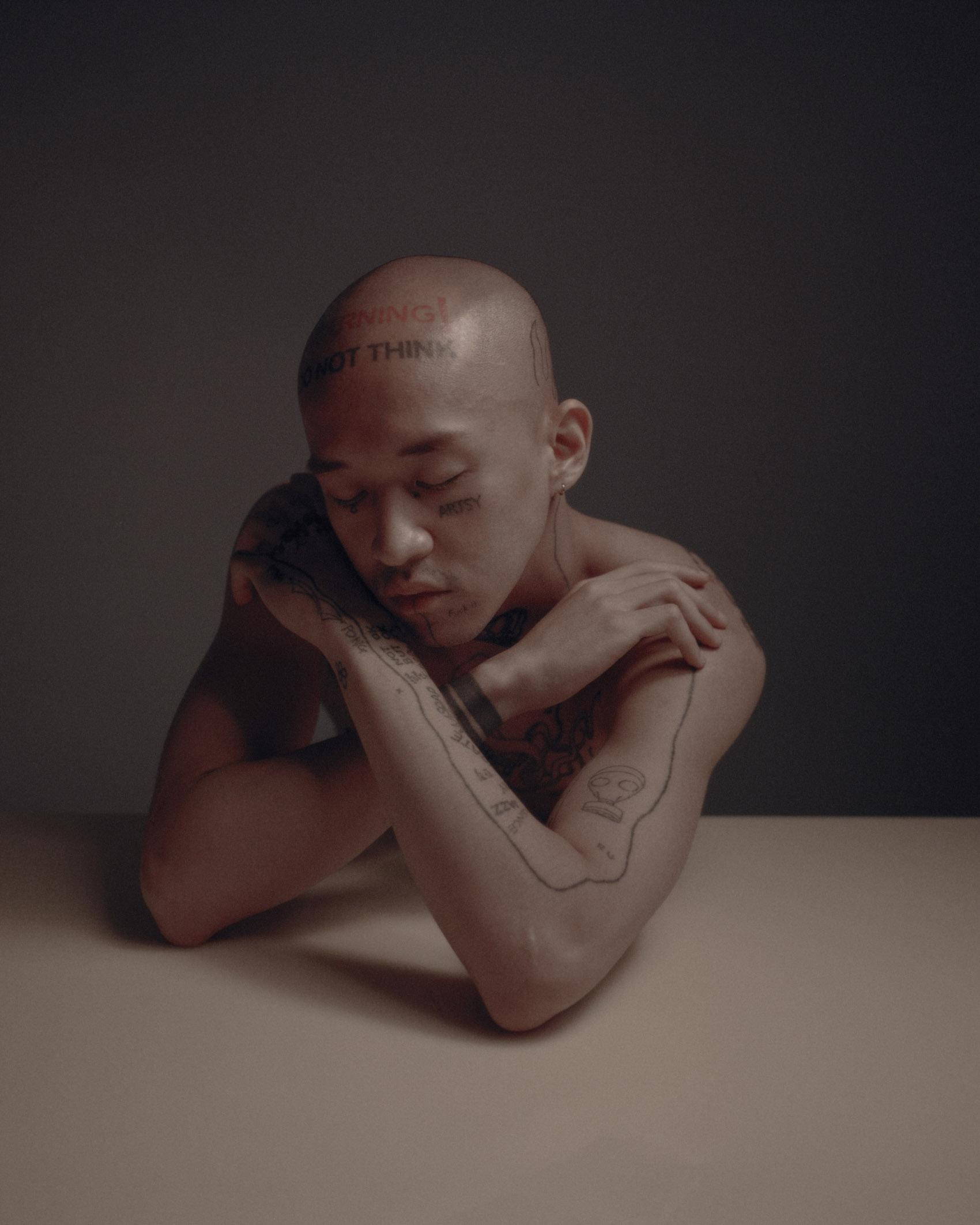 纹身作品的肖像照片,人民竞赛的获胜者