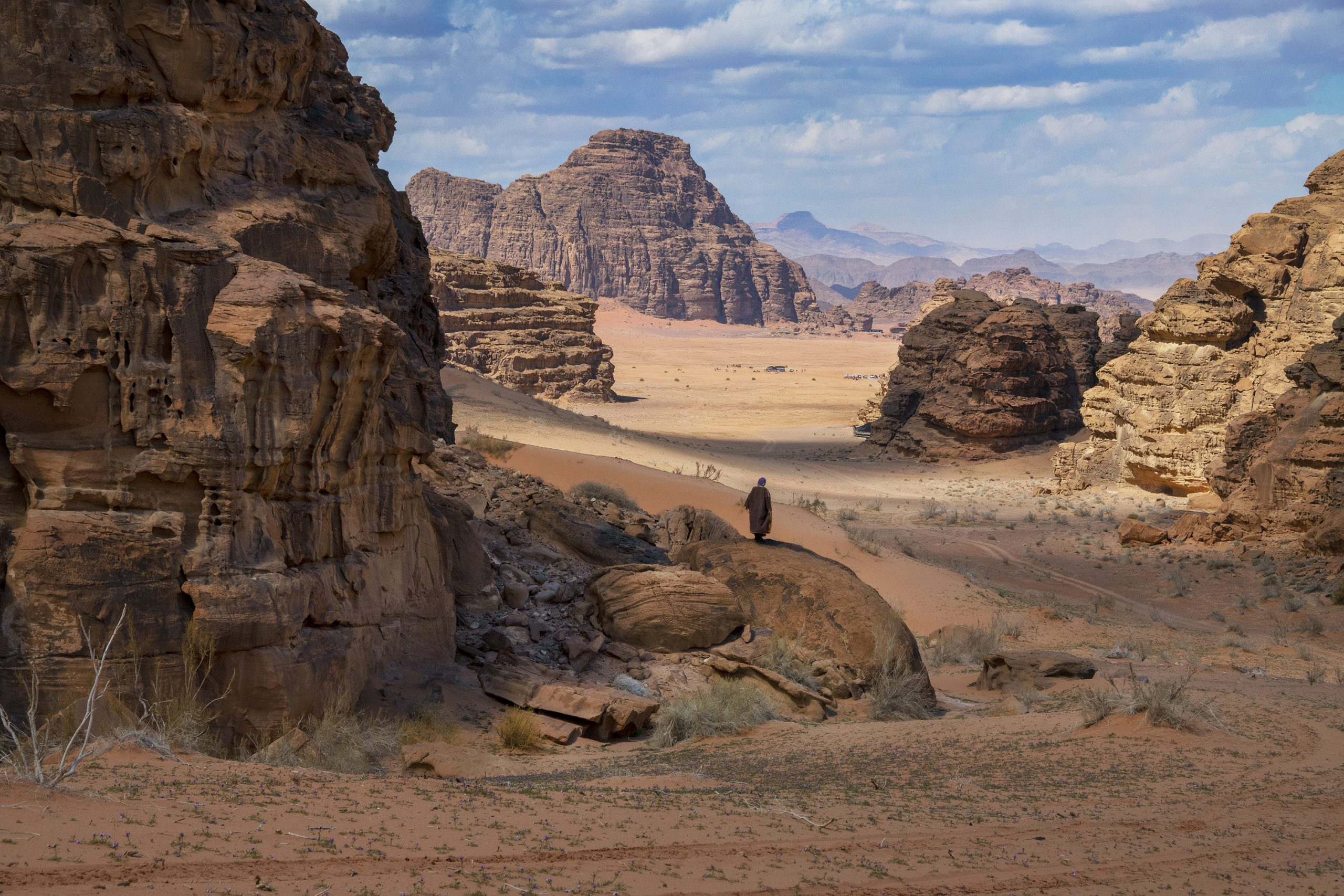 Color photograph by Steve McCurry, Wadi Rum, Jordan, mountains, rock formations