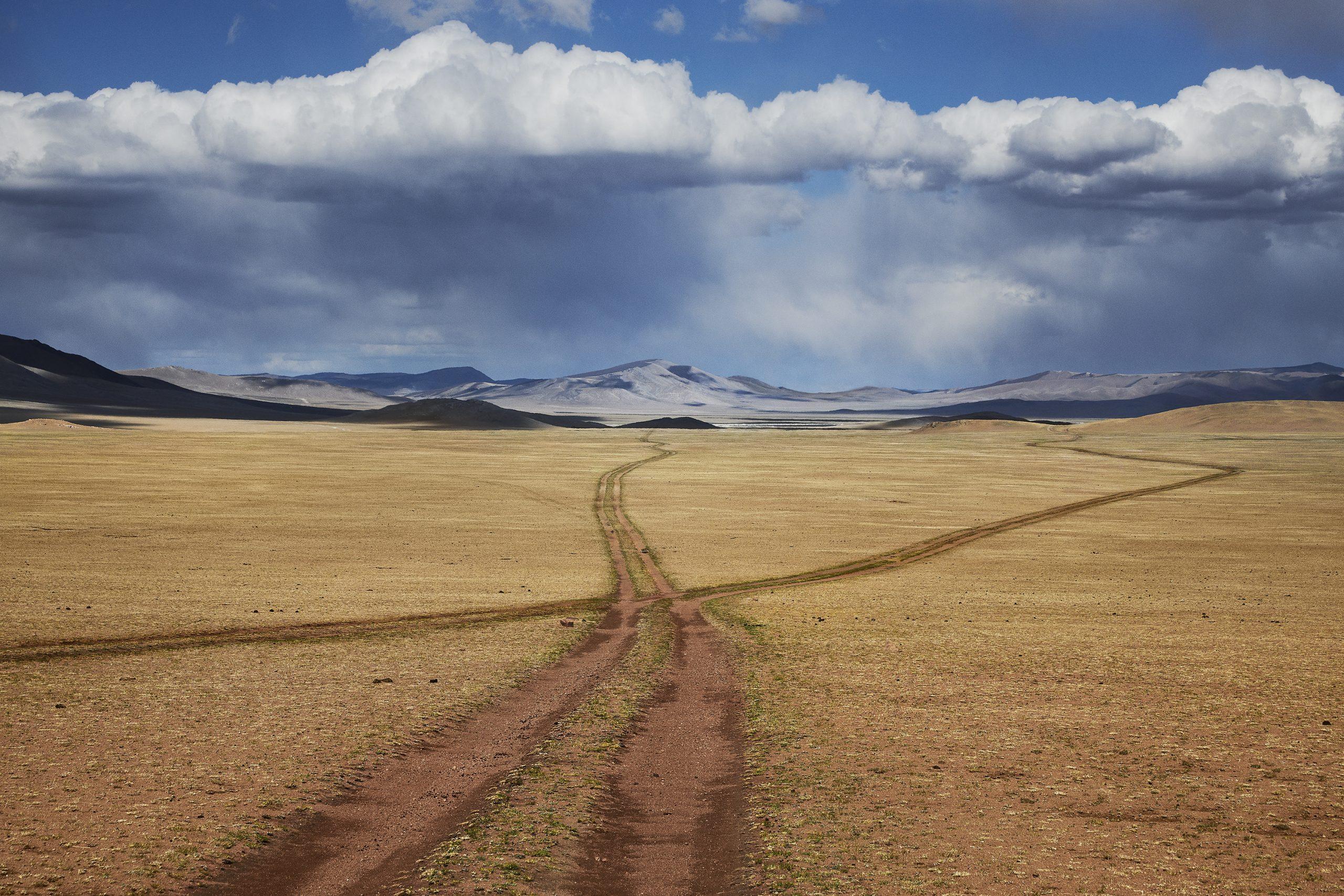 Steve McCurry, Mongolia, landscape, fields, mountains, sky