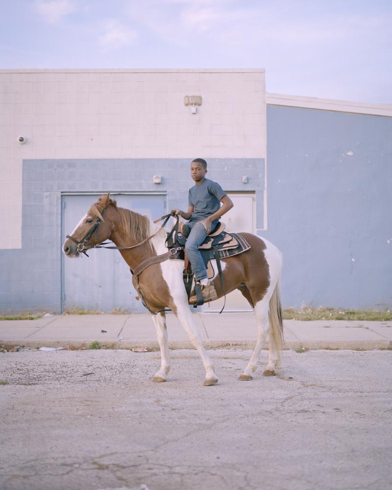 Farbe, Filmfotografie von Cian Oba-Smith, Stadtreiter, Junge, Porträt, Philadelphia