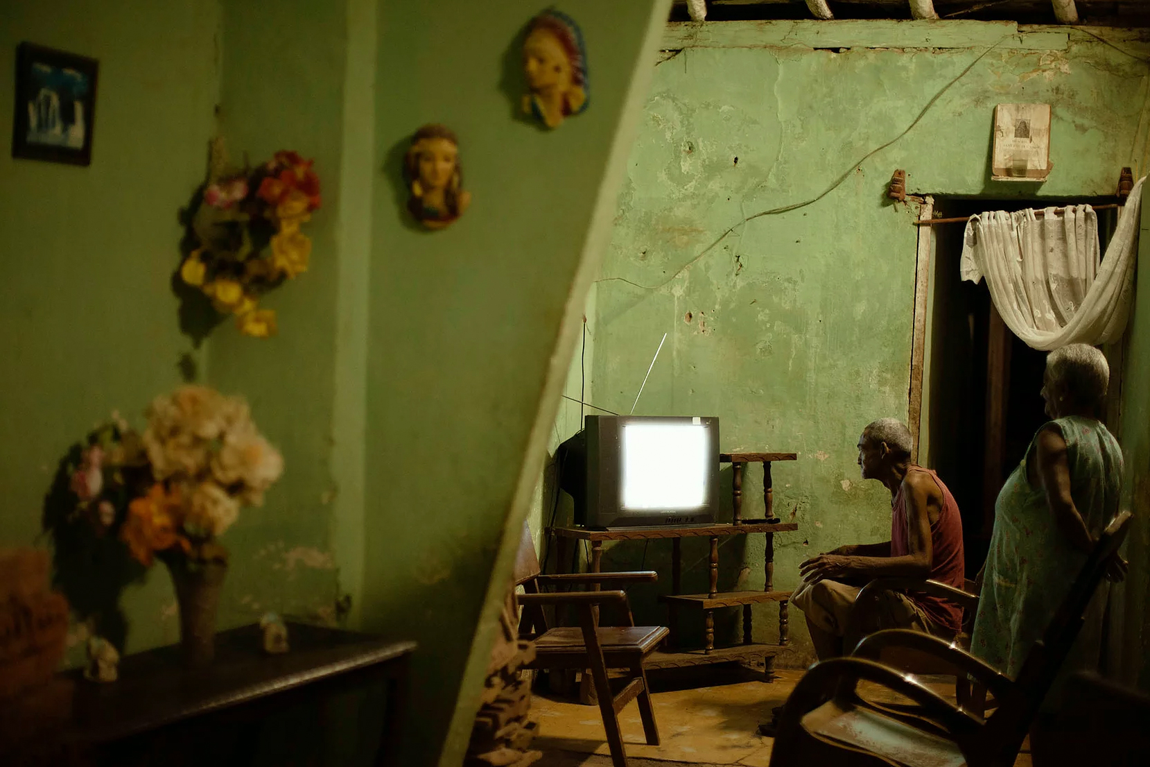 Color photo by Alex Almeida, home interior, Cuba