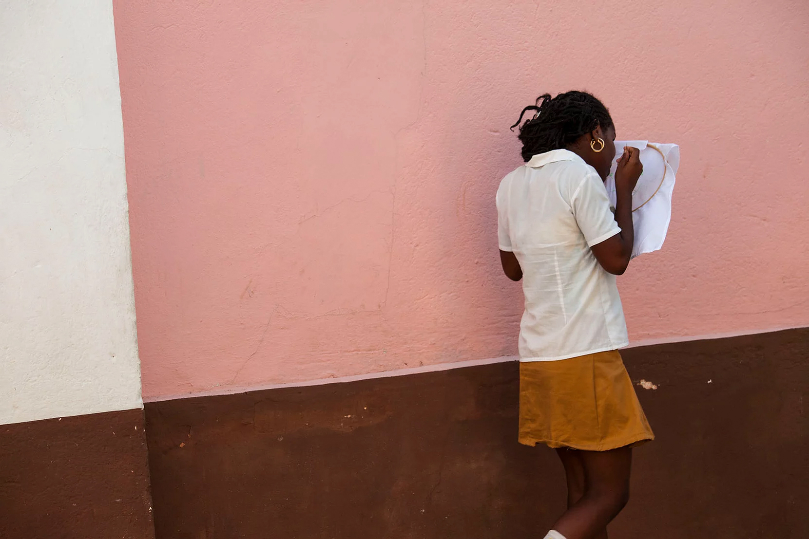 Color photo by Alex Almeida, girl, Cuba.