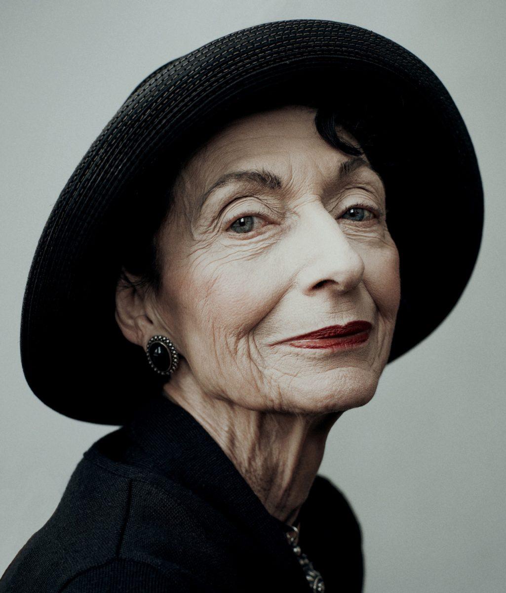 Photographie de portrait couleur par Maarten Schröder, femme âgée