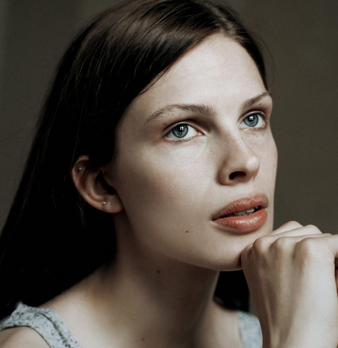 Photographie de portrait couleur par Maarten Schröder, femme, fille