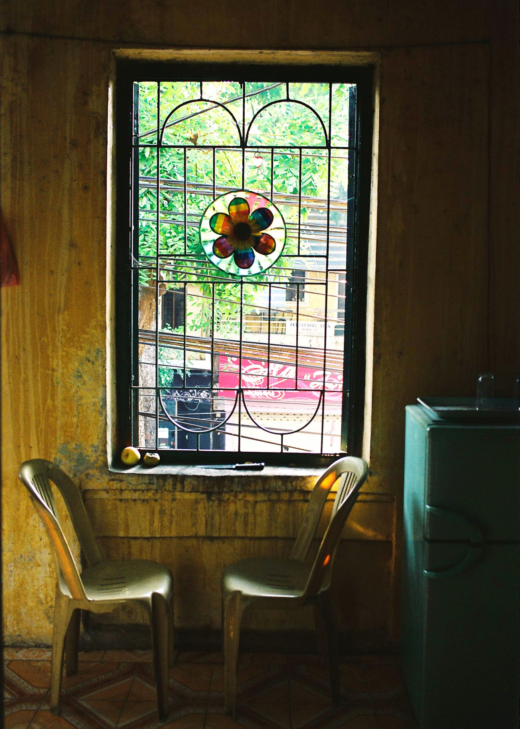 Color photo by Maika Elan from Inside Hanoi. kitchen.