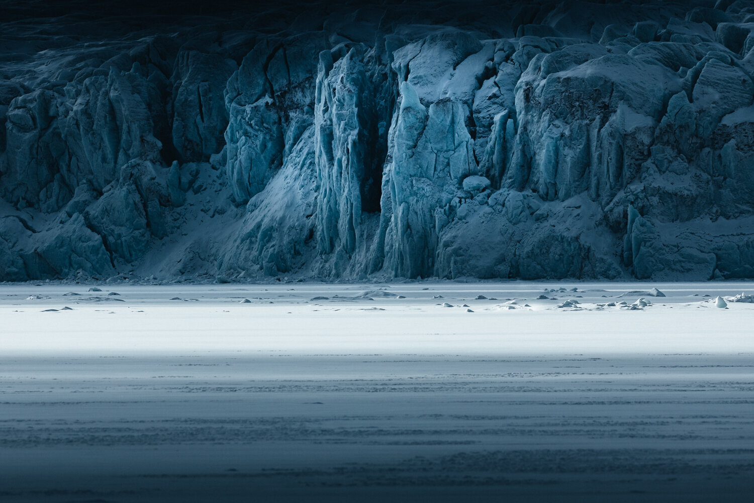 Landscape photo by Hannes Becker, glaciers, Svalbard, Norway.