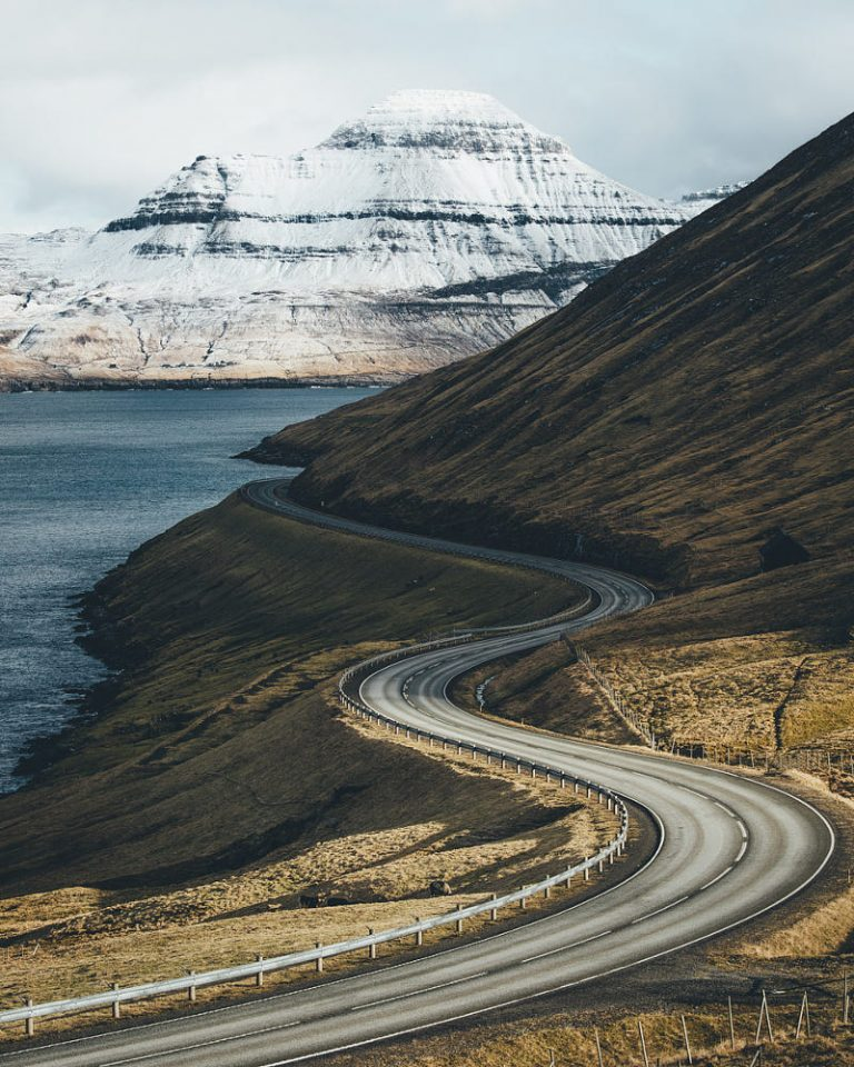 Hannes Becker landscape photo. A winding road in the Faroe Islands.