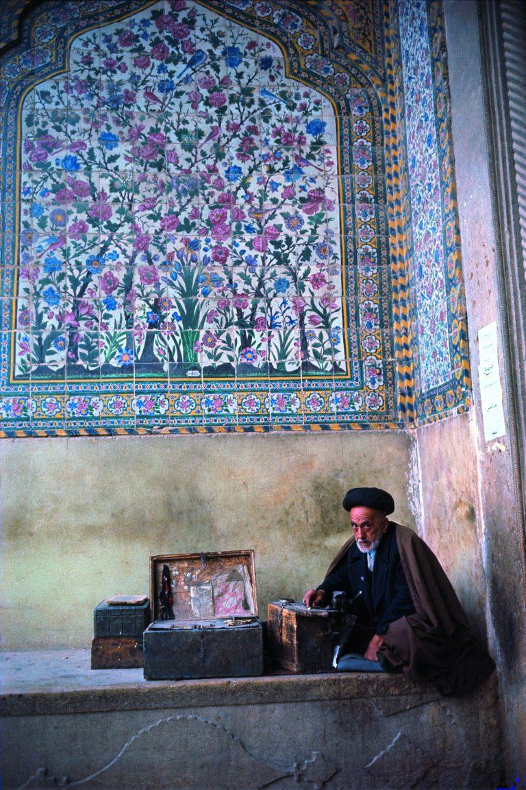 布鲁斯·戴维森 (Bruce Davidson) 的彩色照片,伊朗,1964 年