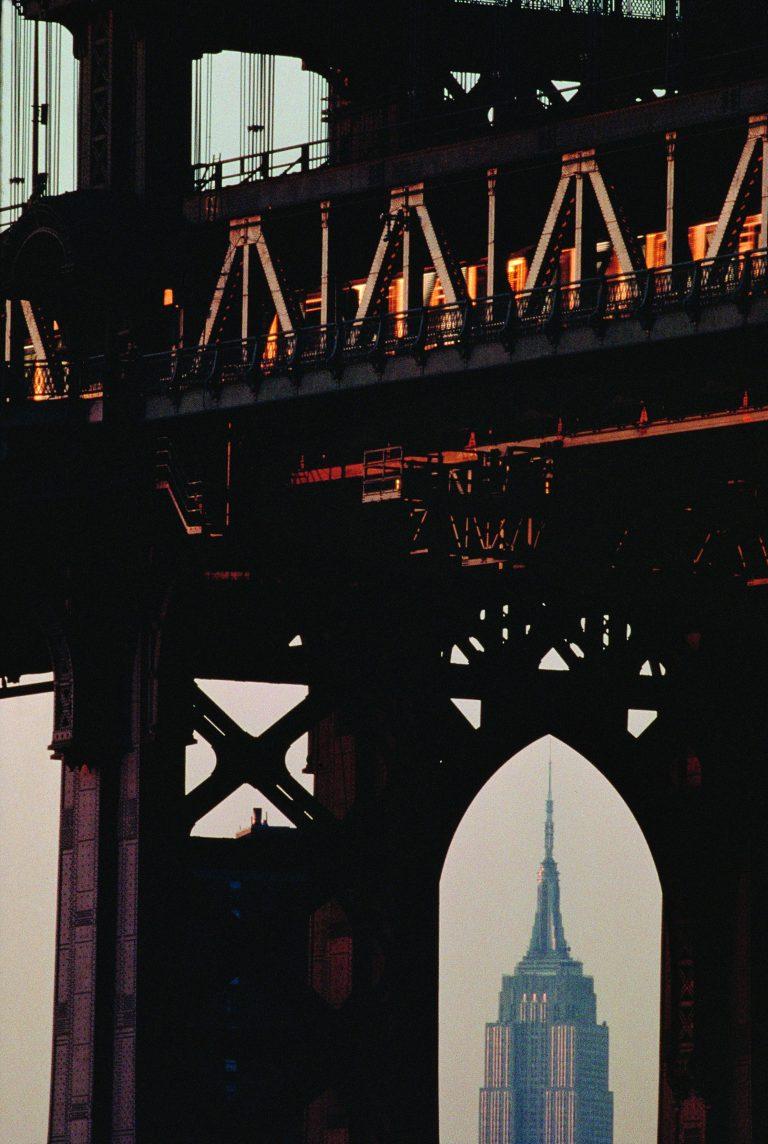布鲁斯戴维森的彩色照片,纽约,桥梁,帝国大厦